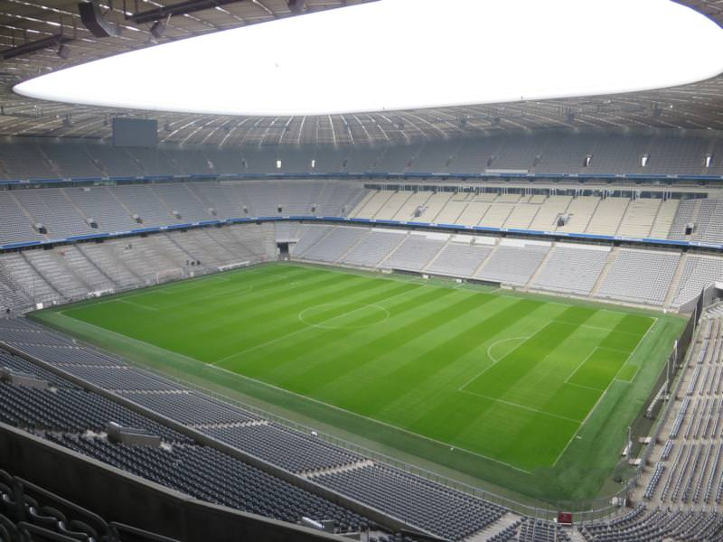 Consultation on an asphaltic screed in the Allianz Arena in Munich